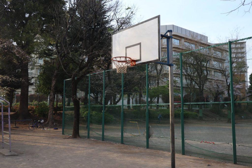 【新宿区立 西戸山公園】バスケットコートの良い点・悪い点