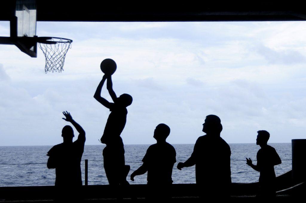 【バスケットボール】ディフェンスの動き方 超基本